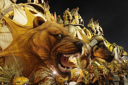 Самба-карнавал в Рио де Жанейро