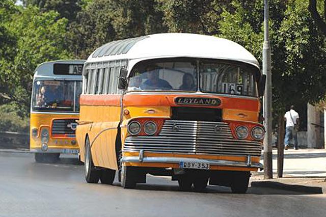 Градските автобуси в Малта