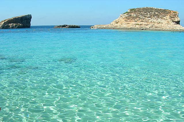 Синята лагуна на остров Комино