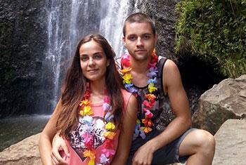Янита и Юлиян на Хавай по време на тяхната бригада в САЩ