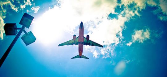 Какво да купувааме и какво не от допълнителните екстри предлагани от авиокомпании